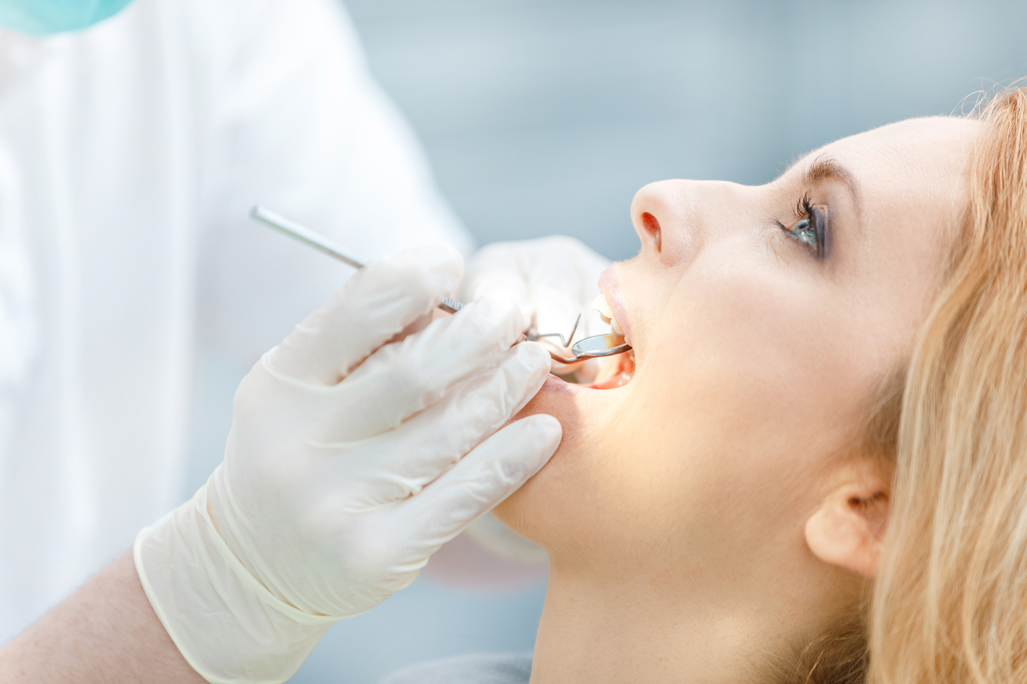 where can i find an oral surgeon in aventura to repair a frenum