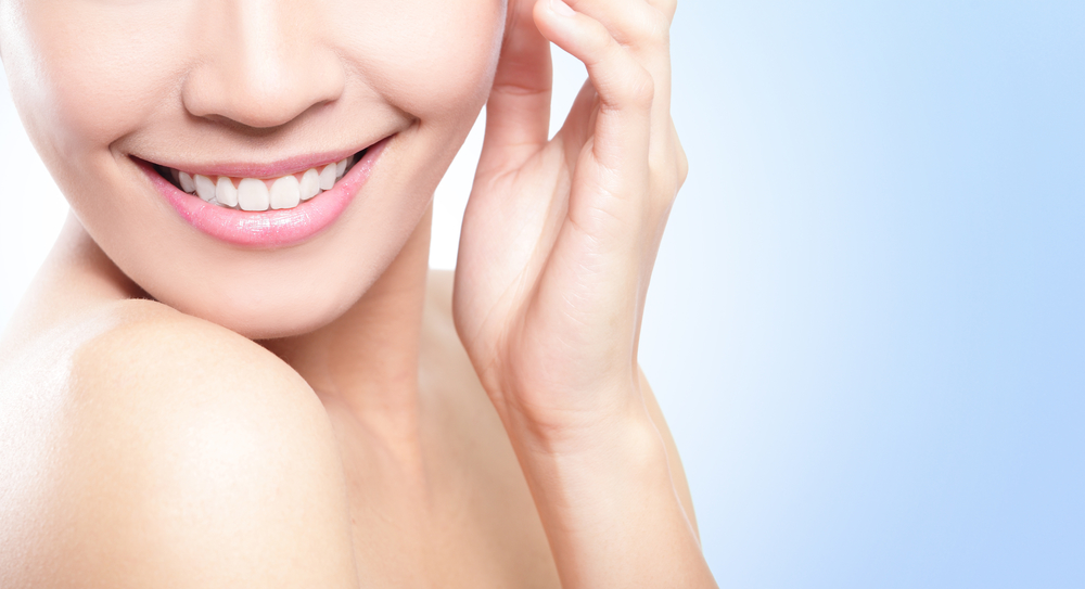 Who offers a chin implant in Miami Beach?