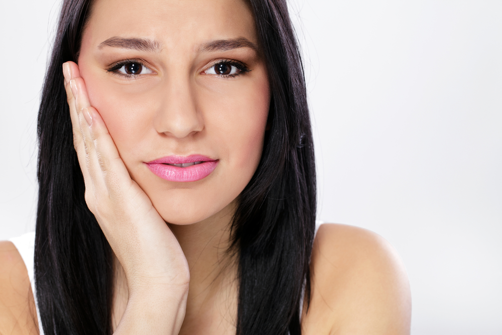 can an oral surgeon in plantation help my jaw pain?