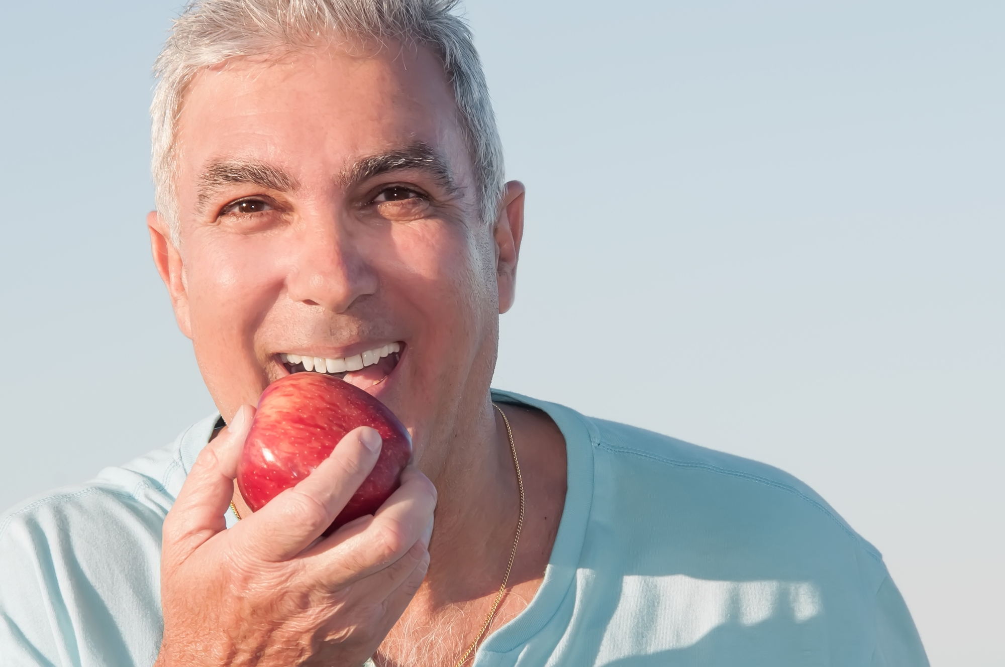 Who offers dental implants in Coral Springs?