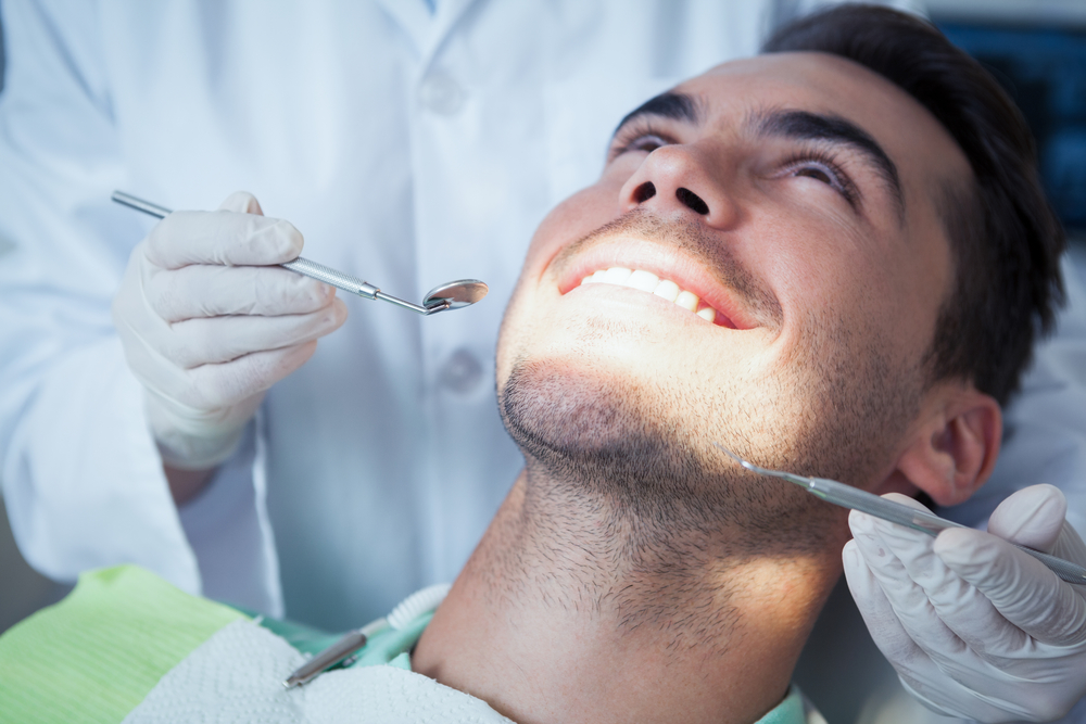 Which oral surgeon in Coral Springs offers Platelet Rich Plasma therapy?