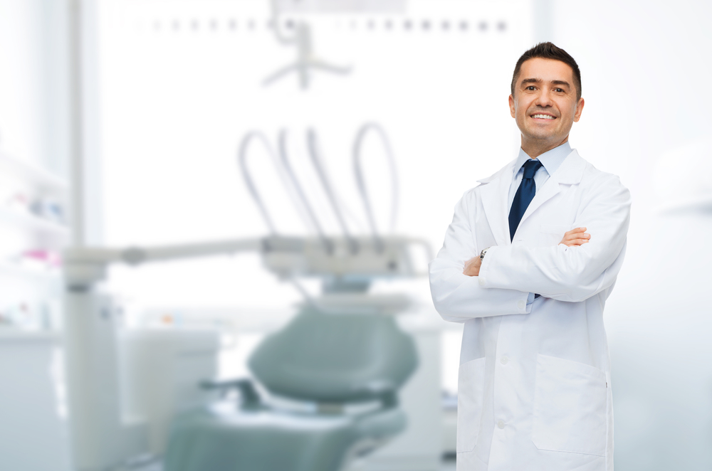 What do I need to know about dental implants in plantation?