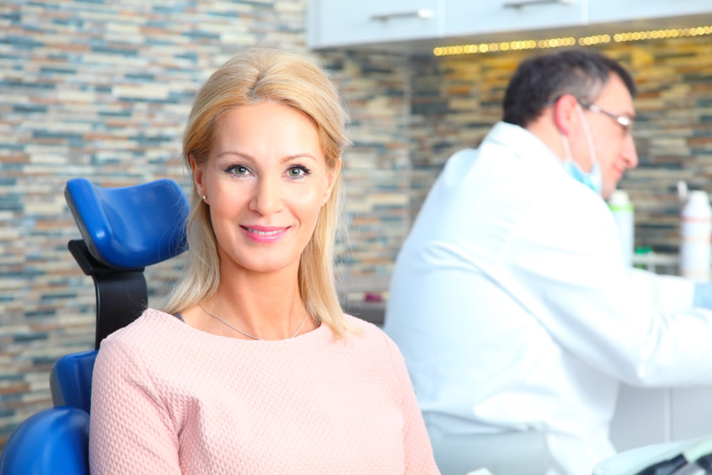 who offers dental implants in Aventura?