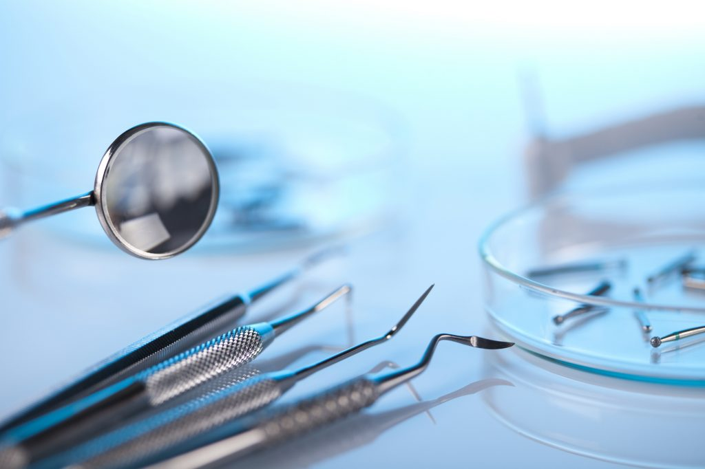 who does dental implants coral springs?
