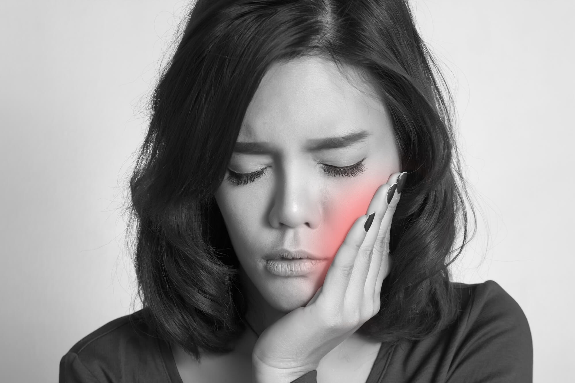 Woman tooth ache Oral Surgery in Plantation