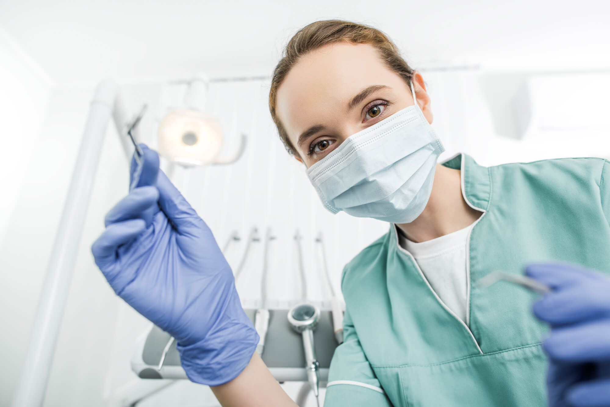 Oral Surgeon for Dental implants in plantation
